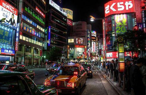 800px-Tokyo_city_nightlife